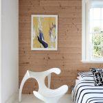 dormitor lemn si alb
