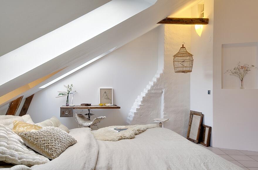 dormitor traditional mansarda