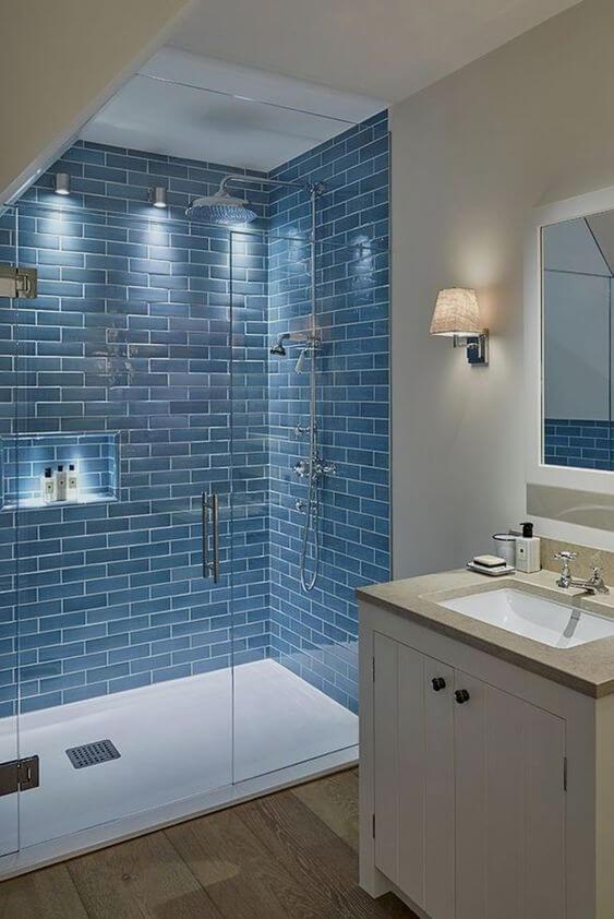 baie albastru cu alb dus sticla