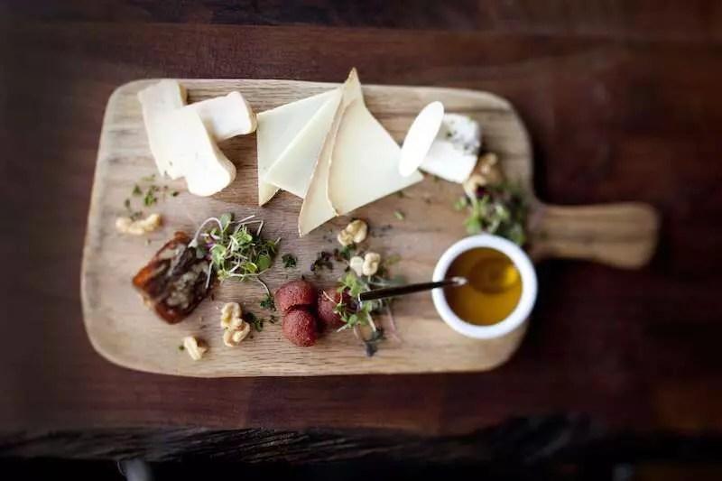 Tábua de queijos - Foto: Equipe Le Garage
