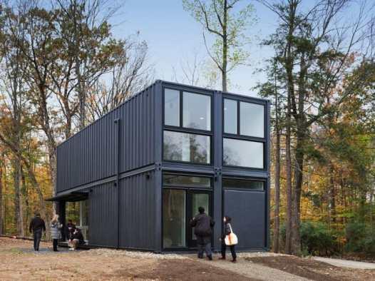 case-construite-din-containere-Bard-College-Media-Lab