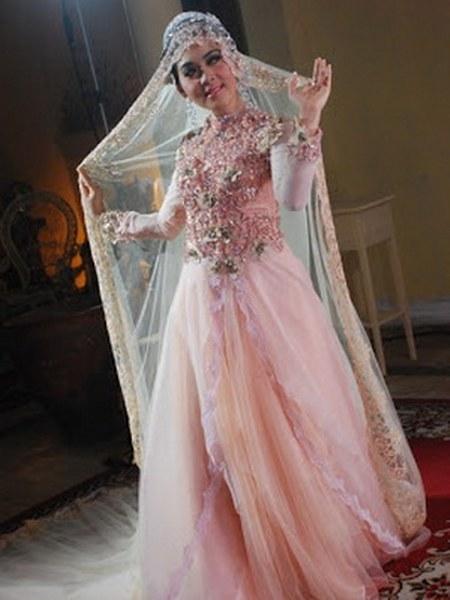 model-kebaya-pengantin-pink