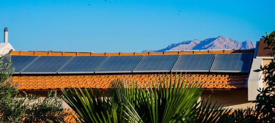 Une invention israélienne de panneaux solaires augmente la production d'énergie !