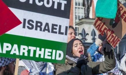 Des étudiants américains radicaux condamnent la réponse d'Israël aux attaques palestiniennes meurtrières