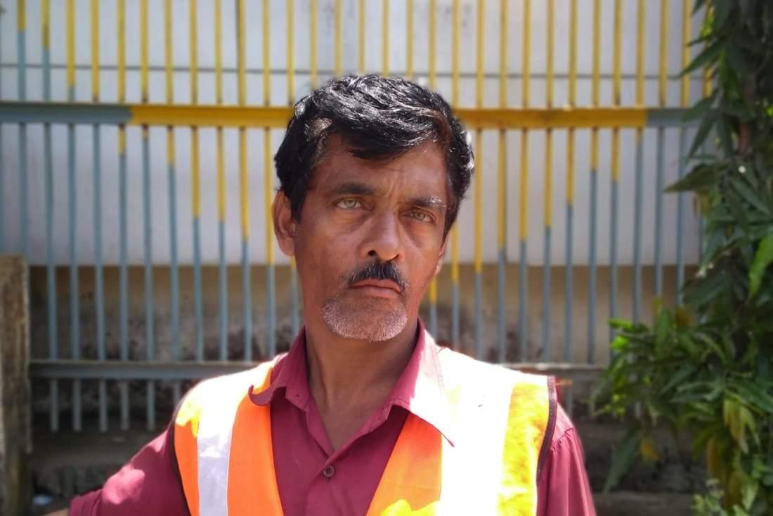 Ganesh Dattatrey Shinde at work in Mumbai, India. Photo credit: Priyanka Borpujari