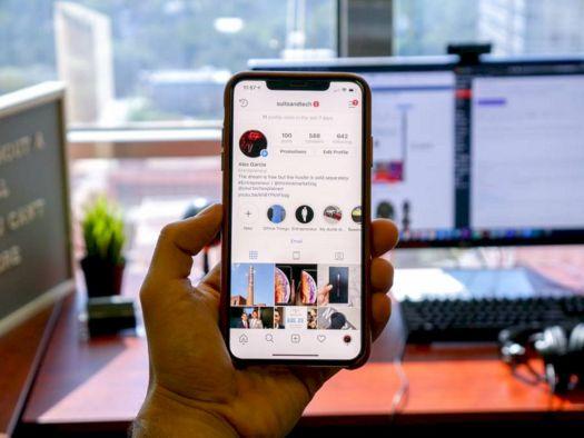 Instagram Perbarui Tampilan di iPhone XR