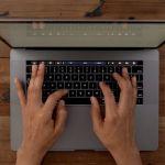 Apple Siapkan MacBook Baru Dengan Layar mini LED