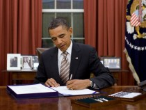 President Obama Signs Cell Phone Unlocking Bill Into Law