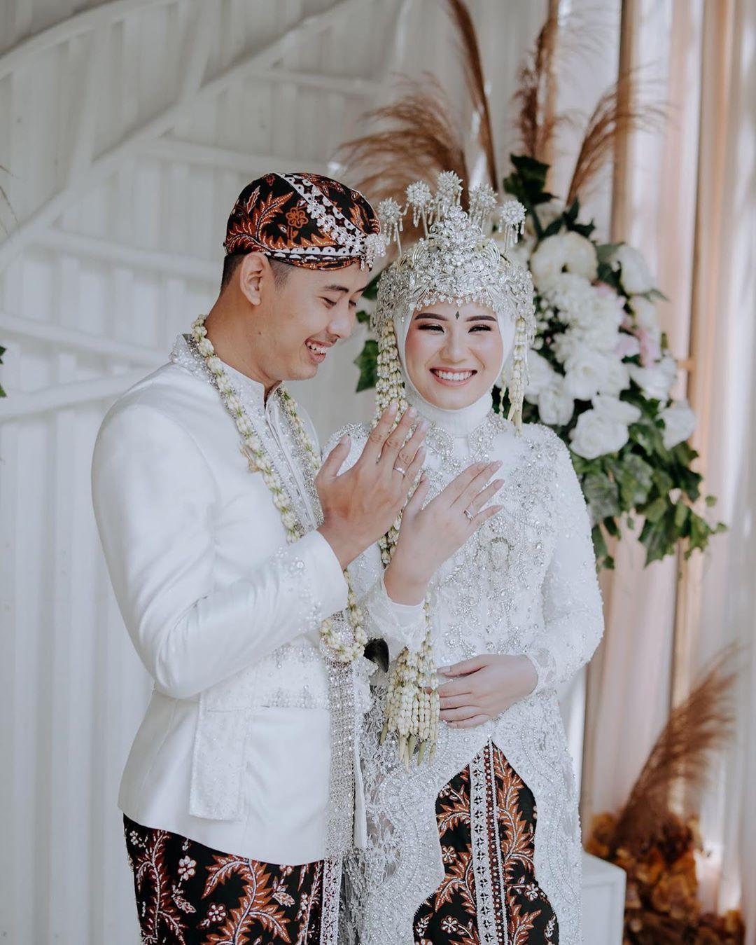 Prosesi Pernikahan Adat Sunda yang Menginspirasi - idewedding