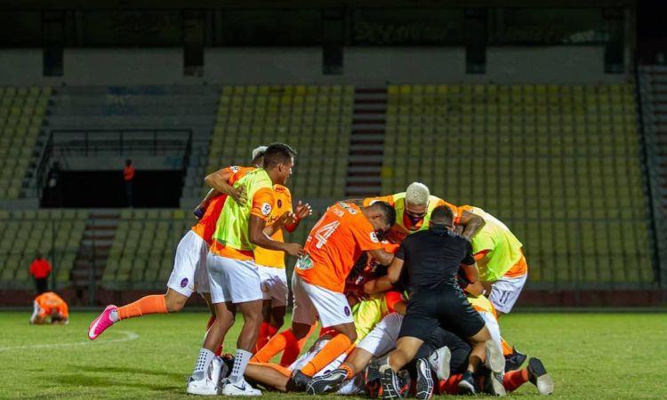 El festejo del Deportivo La Guaira, campeón de Venezuela.