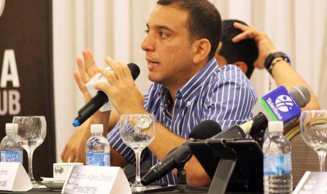 Akram Almatni, presidente de la LigaFutve en 2020.