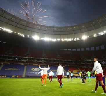 La Vinotinto en su entrada al Mané Garrincha, por la Copa América.