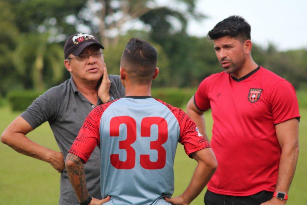 Alí Cañas y Franklin Lucena, DT y asistente en el Portuguesa FC