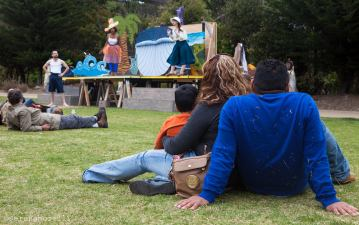 Audience at a performance of O Best Beloved, August 3 2014 at Cayuga Playground, SF