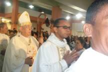 Procissão de Entrada. D. Belisário presidirá o ofício religioso.