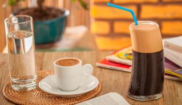 Ποια είναι η σχέση του καφέ με το στομάχι μας
