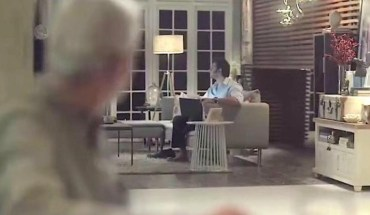 Συγκινητική διαφήμιση παροτρύνει τους άντρες να βοηθούν στις δουλειές του σπιτιού