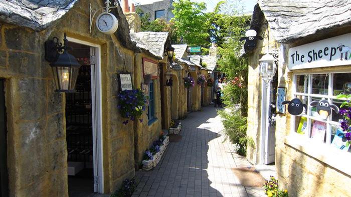 kiki-bakery-studio-ghibli-hayao-miyazaki-yufuin-floral-village-japan-6
