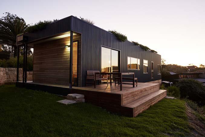 Αυτή η παραθαλάσσια «πράσινη» κατοικία κατασκευάστηκε σε 6 εβδομάδες 2