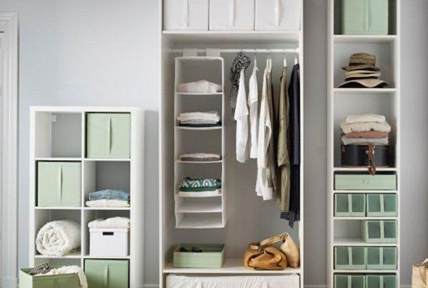 lemari pakaian