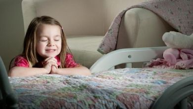 Pentingnya dan Cara Mengajarkan Rasa Syukur untuk Anak yang Bahagia