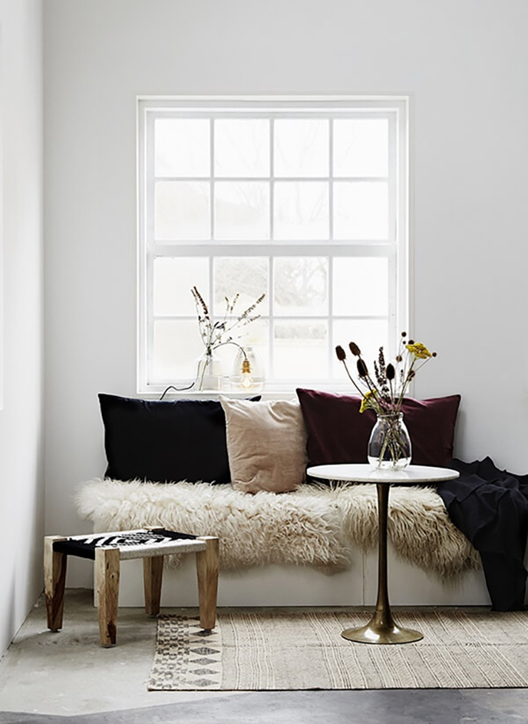 13 Warm Modern Reading Nooks to Survive the Rest of Winter