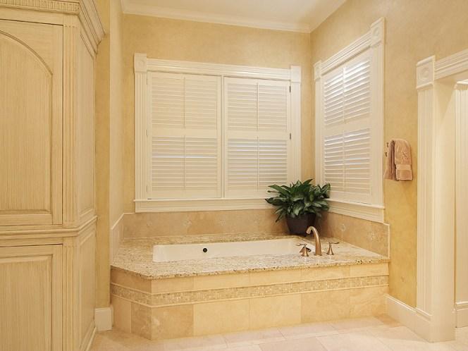 2314-island-wood-master-bath-tub