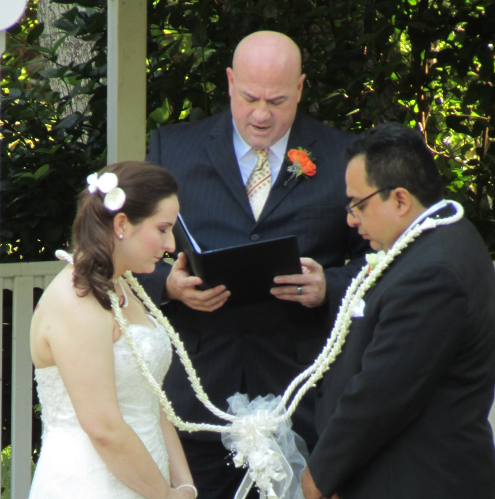 Round Rock Officiant Rope Ceremony with bride and groom