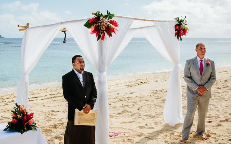 Nina__Josh___Sheraton_Tokoriki_Island_-_beach_ceremony___Copyright__Nadi_Bay_Photography