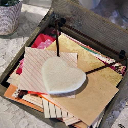 Napkin holder with heart weight
