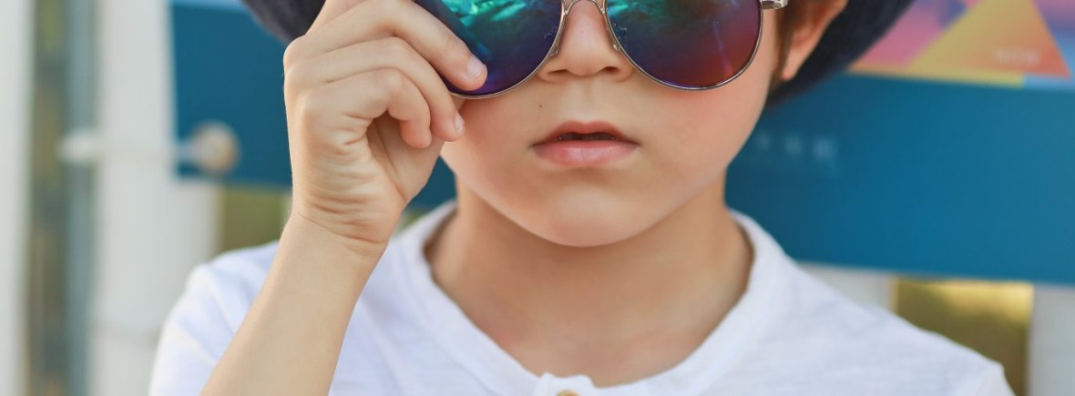 Kids I - IE68038, Boy wearing silver aviator with Revo mirror lens