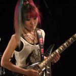 Rie a.k.a. Suzaku mit zwei neuen Live Videos