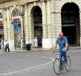 older-cyclists-verona-2