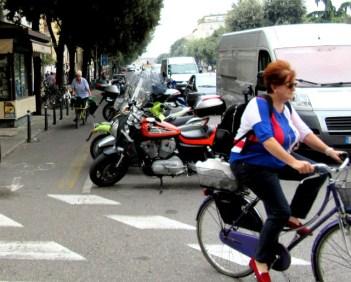 women-cyclists-of-verona-11