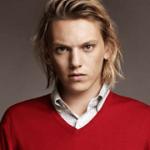 Jamie Campbell Bower listado como um dos protagonistas de sucesso de 2013