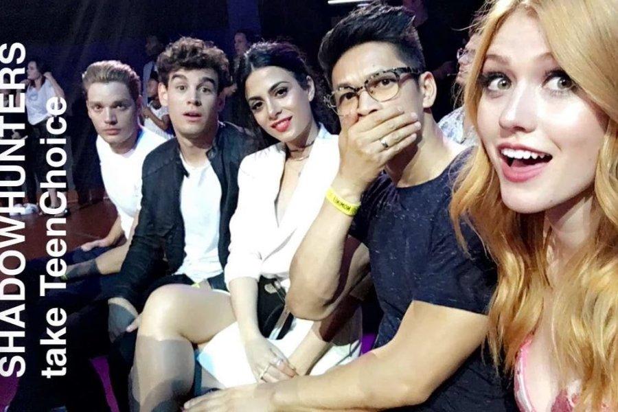 """[ATUALIZADO] """"Shadowhunters"""" e Matthew Daddario ganham o Teen Choice Awards!"""