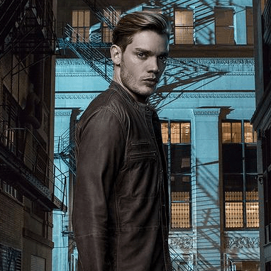 """Spoiler Room"" do site EW traz Dominic Sherwood falando sobre Sebastian!"