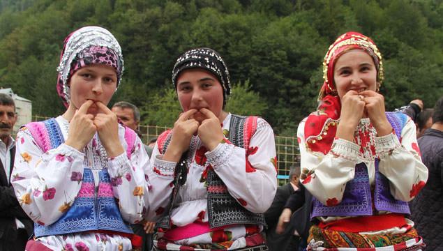 Northern village of Kuşköy still communicates with amazing Turkish whistling language | Daily Sabah