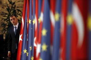 Η θετική ορμή μπορεί να προωθήσει τις σχέσεις Τουρκίας-ΕΕ: επιτροπή