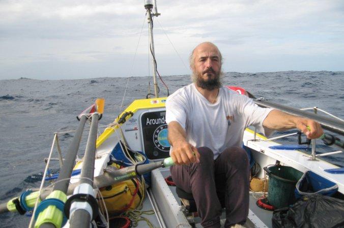 Turkish-American adventurer Erden Eruç rowing his boat
