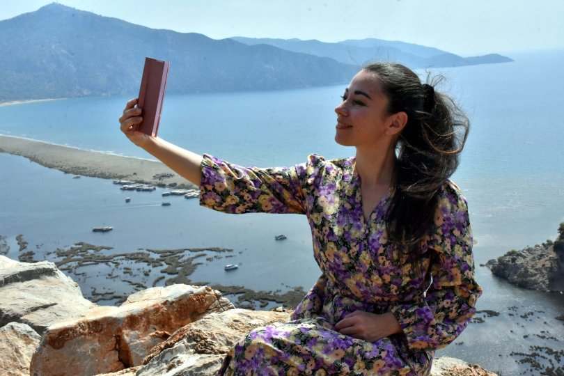 An influencer from Russia poses in Muğla province, southwestern Turkey, Sept. 16, 2021. (AA Photo)