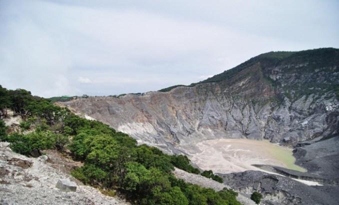 Gunung Tangkuban Perahu di Bandung