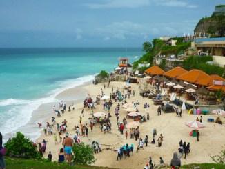 Pantai Dreamland Bali Yang Memikat Pengunjung
