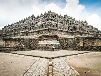 Pesona Candi Borobudur yang Sulit Dikalahkan