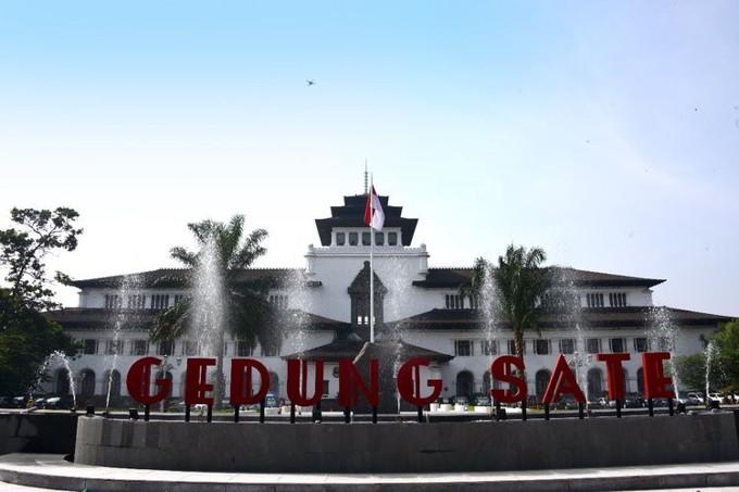 Saksi Bisu Sejarah Gedung Sate Bandung