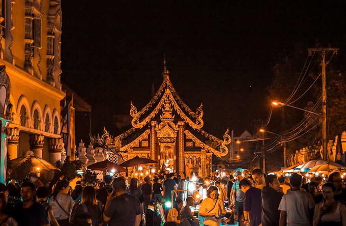 Tempat wisata thailand Sunday Walking Street Nigth Market