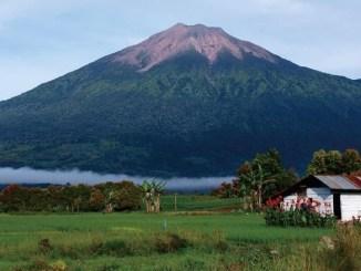 Gunung Kerinci - Tempat Wisata di Provinsi Jambi
