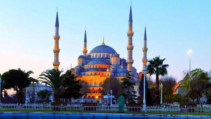 Masjid Blue Mosque - Tempat Wisata di Turki
