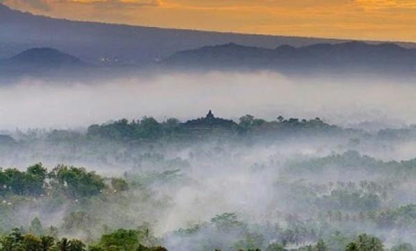 Punthuk Setumbu - Wisata Populer di Magelang
