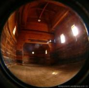 Łukawiec - puste wnętrze - prezbiterium